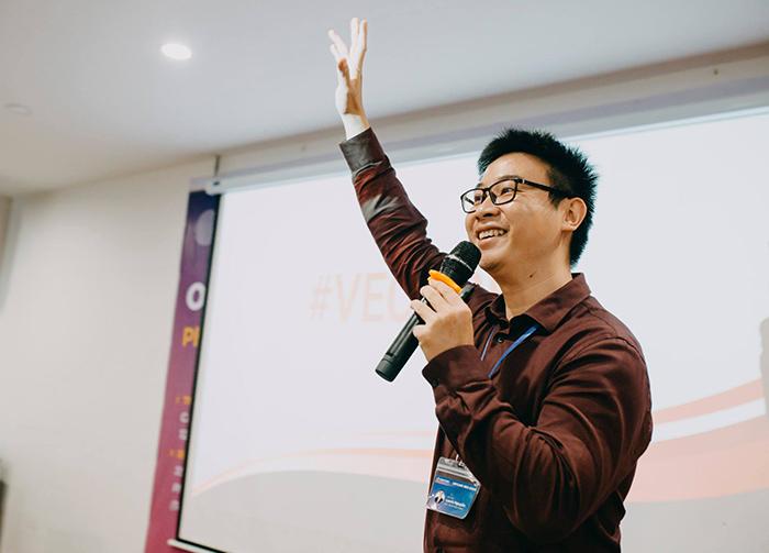 Laevis Nguyễn chia sẻ về khái niệm Vector - data computing trong buổi hội thảo SEO offline - Phát triển toàn diện