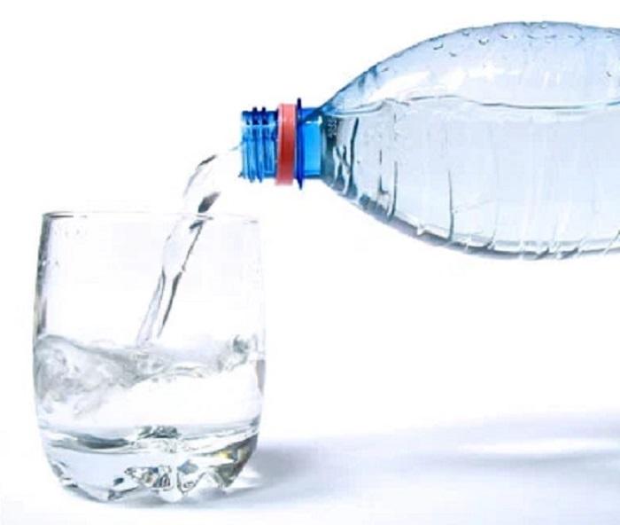 Review Lixibox chia sẻ, uống nước đầy đủ là thói quen tốt giúp làn da min màng, khỏe khoắn